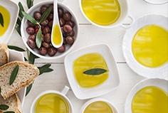 cuchara-aceite-oliva-virgen-extra-beneficios