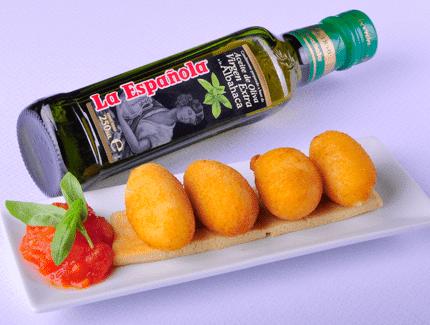 croquetas-de-queso-y-compota-de-tomate-y-albahaca