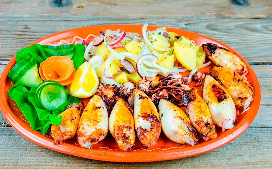 Calamares rellenos de bacon y champiñones