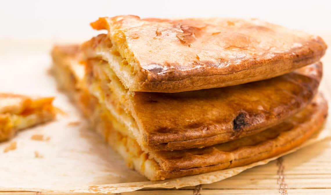 empanada-rellena-de-setas-y-langostinos