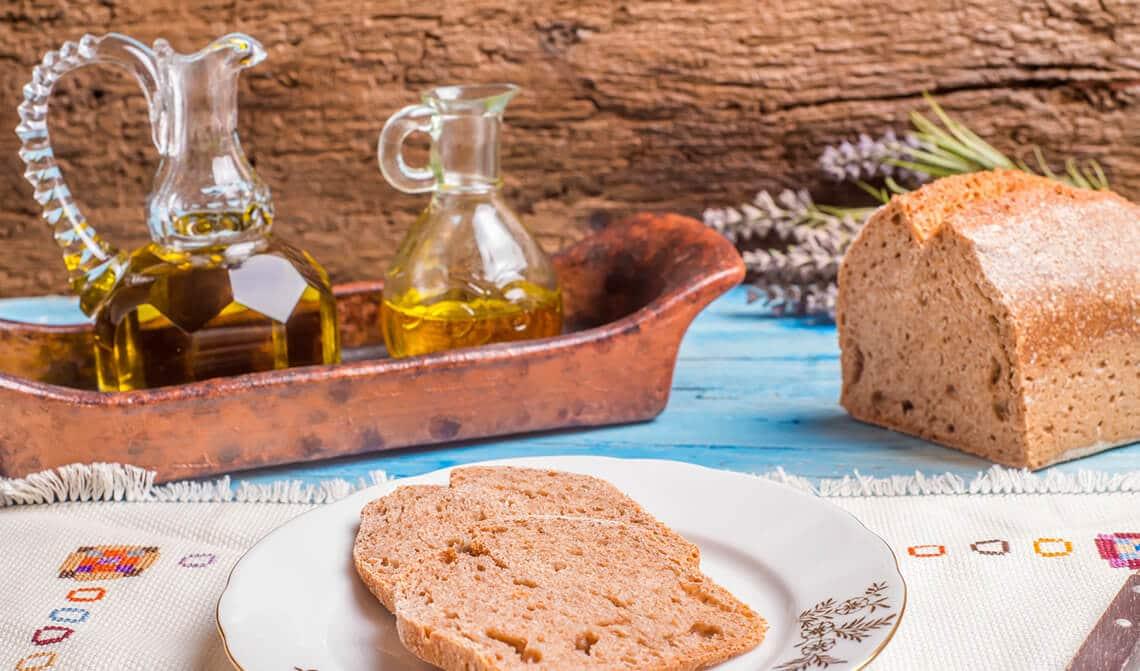 Pan de espelta con curry y jengibre