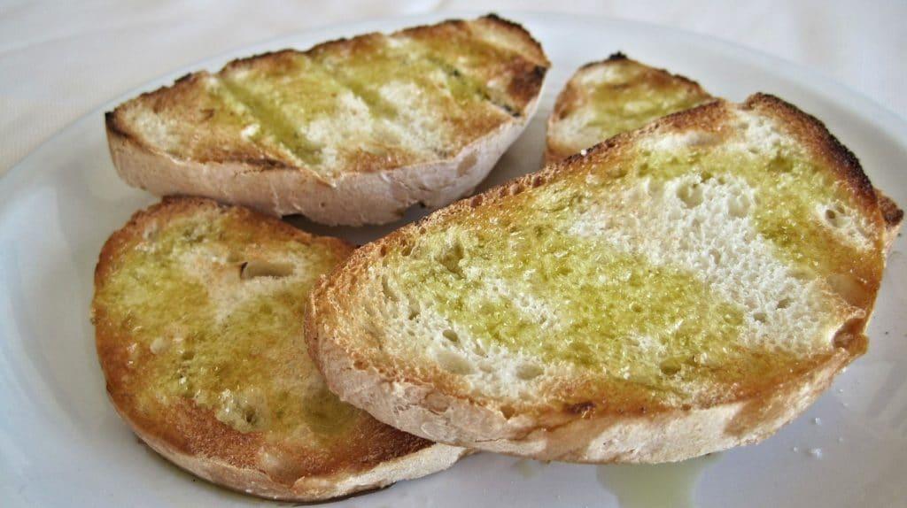 Tostadas con aceite de oliva