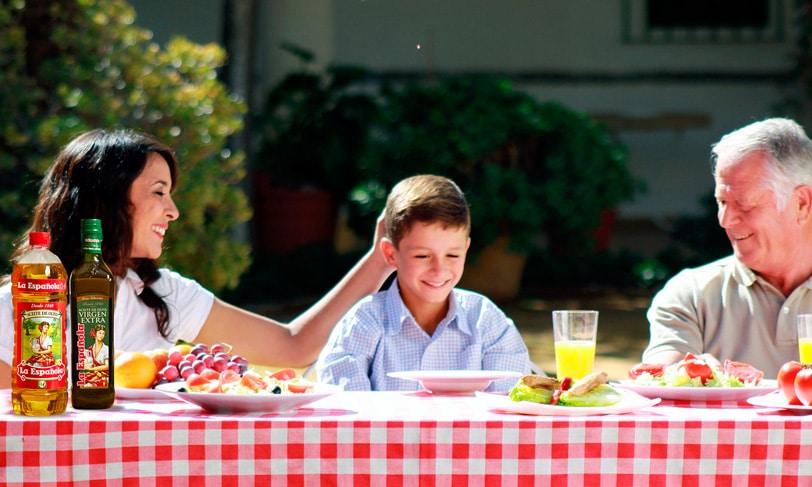 Nuestras costumbres: compartir la mesa