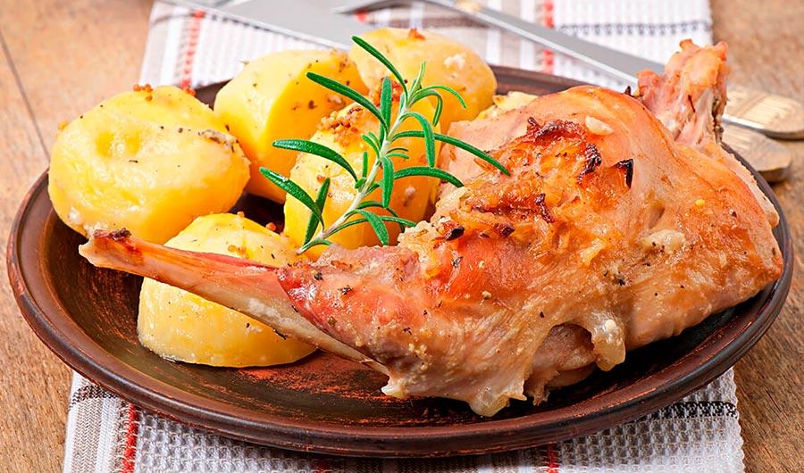 Conejo-asado-con-patatas