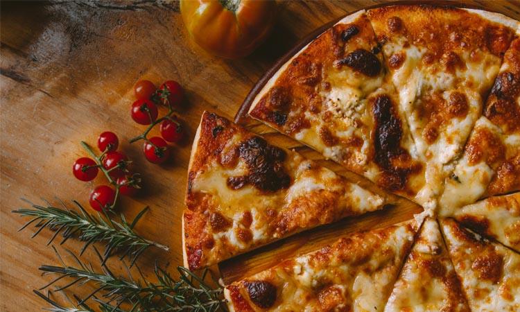 ¿Cómo hacer una pizza casera perfecta?